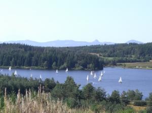 Pour un WE prolongé, 3 jours de VTT plaisir entre rivières, lacs et sucs volcaniques