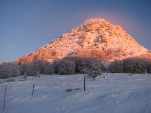 Le Mont Gerbier de Jonc au levé du jour