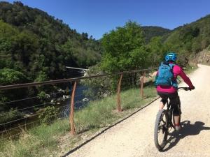 Découvrez la vallée de l'Eyrieux depuis l'une des plus belles voies douces d'Ardèche!