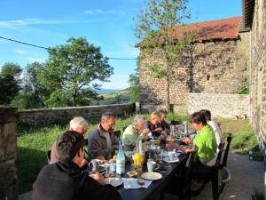 Repas convivial à La Théoule © Etienne Trautmann