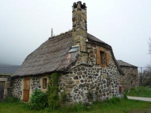 Maison au toit de genets à Echamps © N.Ruine